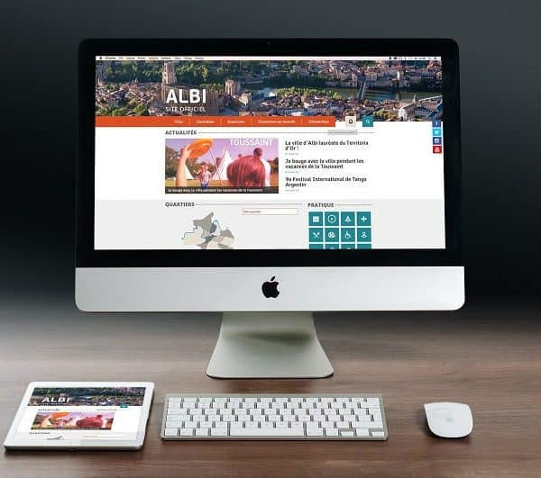 Affichage du site de la ville d'Albi sur ordinateur et tablette